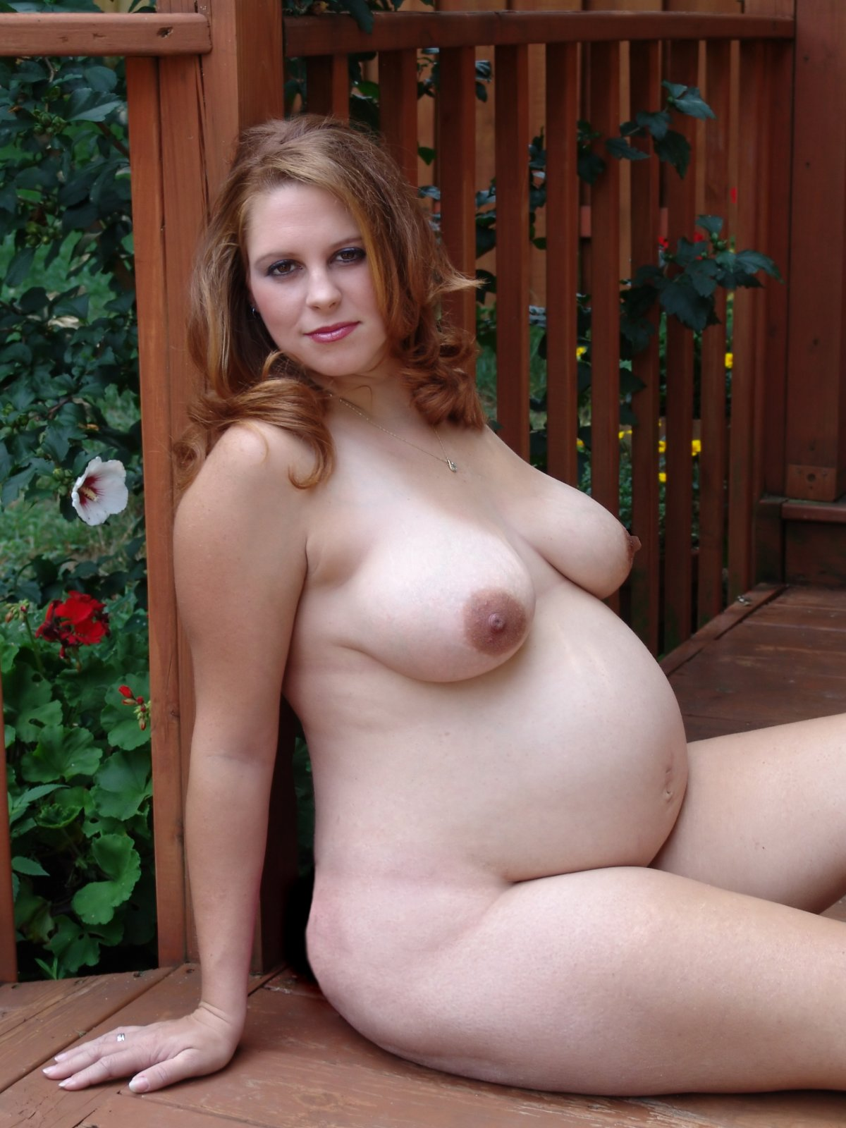 Hot pregnant woman nude