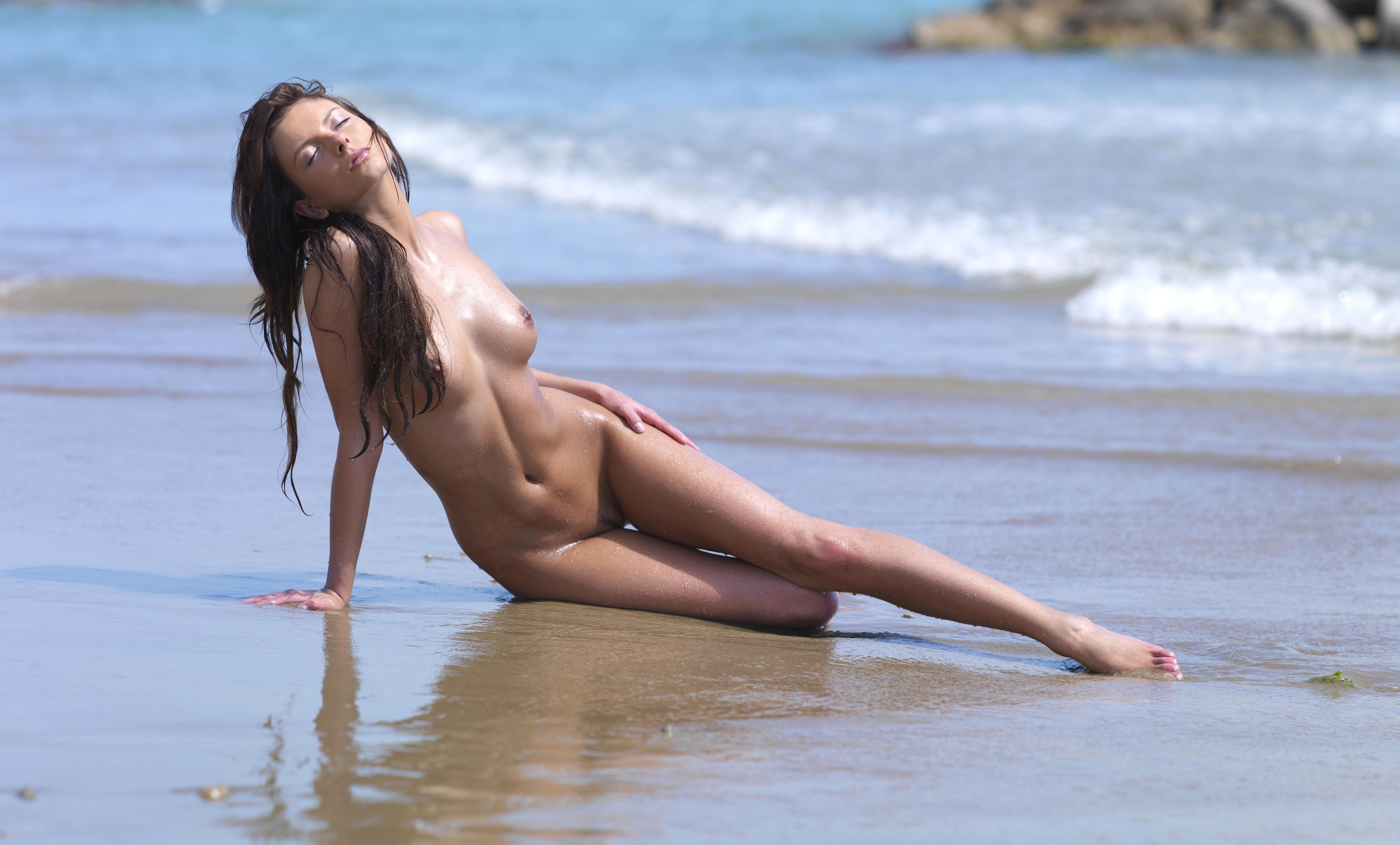 High res free gallery beach nude