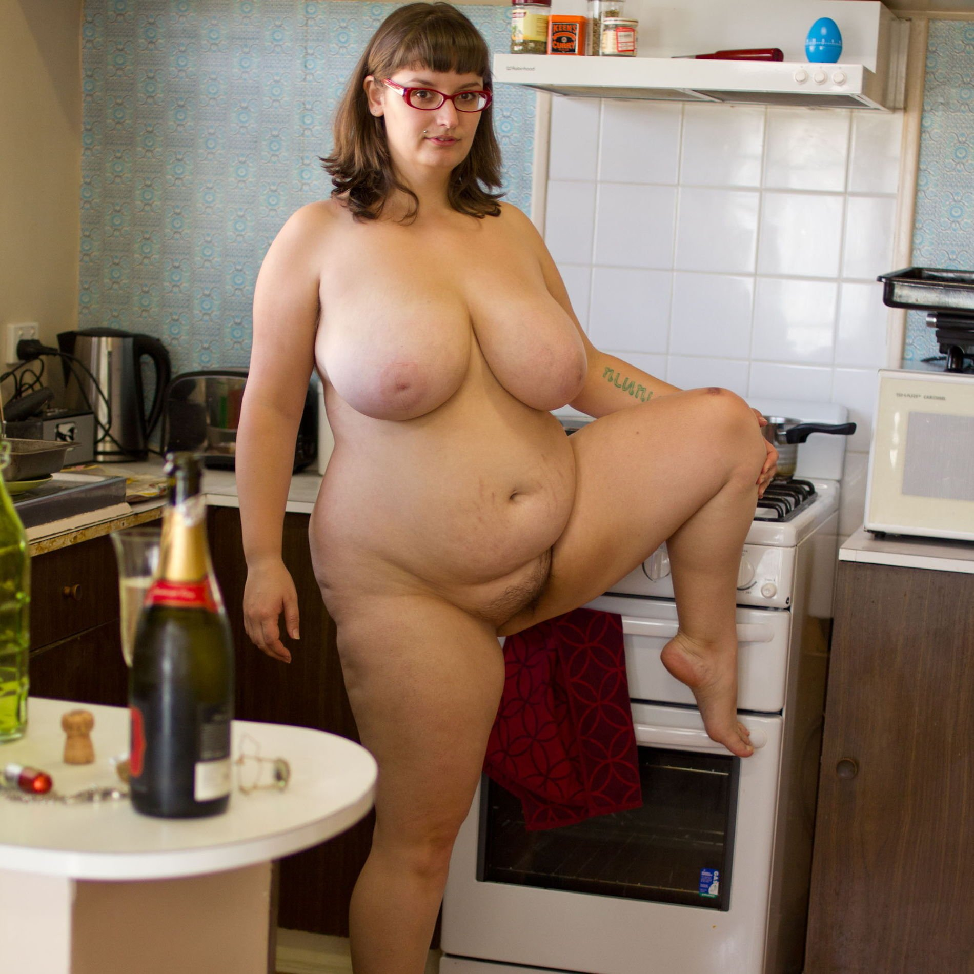 Naked fat housewives — pic 7