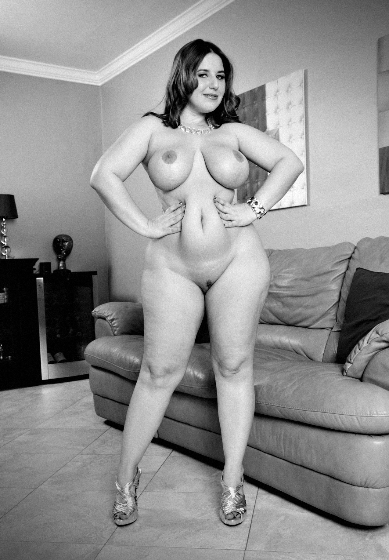 stratus-nipples-plus-size-nude-curvy-women-tumblr