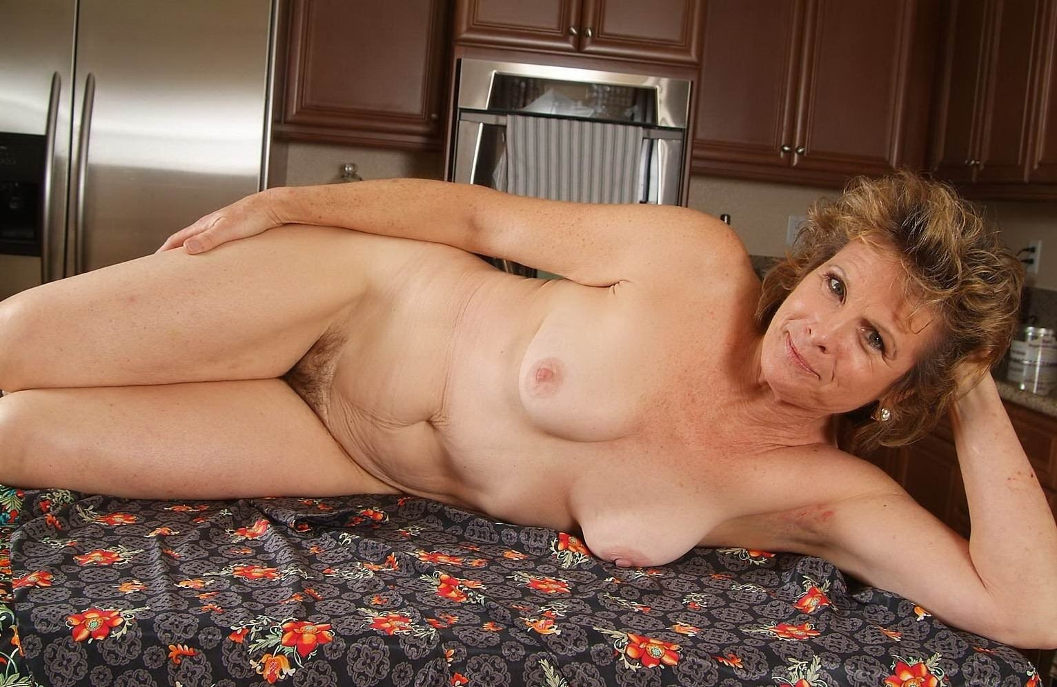 mature-women-nakedpictures