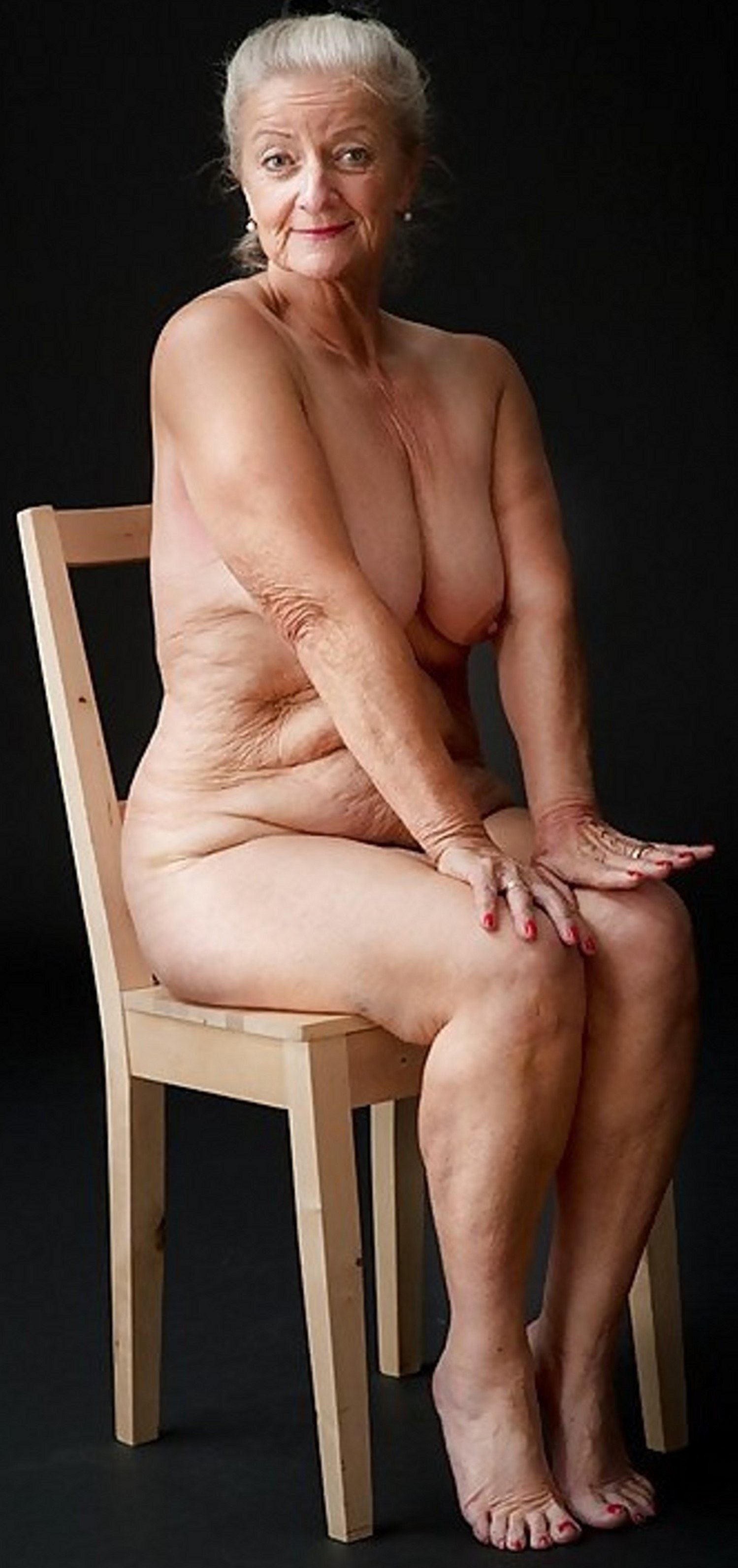 pokemen-art-of-naked-old-woman-young
