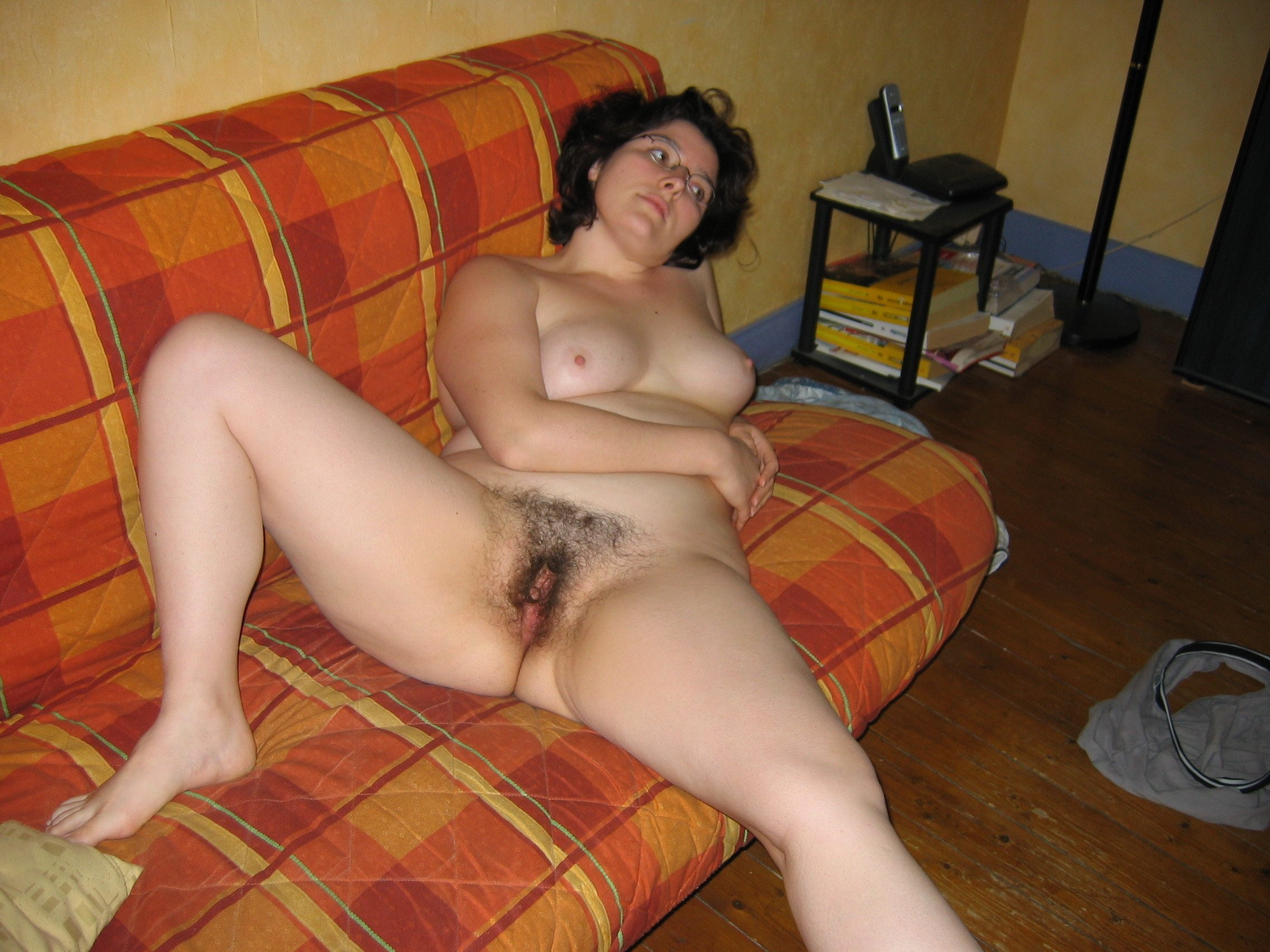 Amateur hairy pussy — photo 3