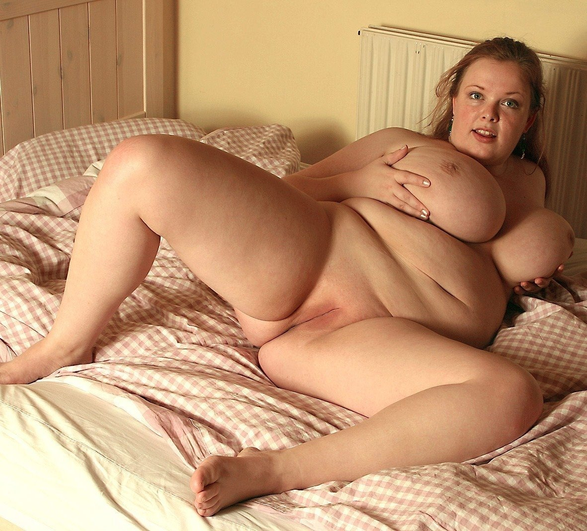 Sexy fat girls enjoying steaming hot lesbian sex