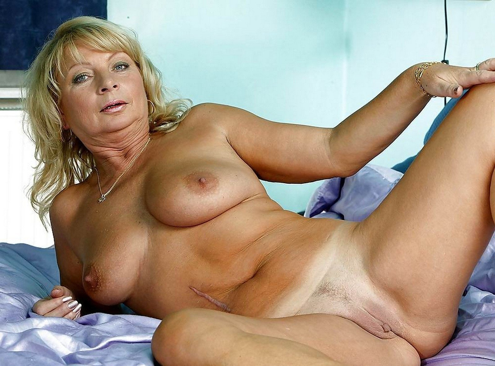 Nude mature women pictures