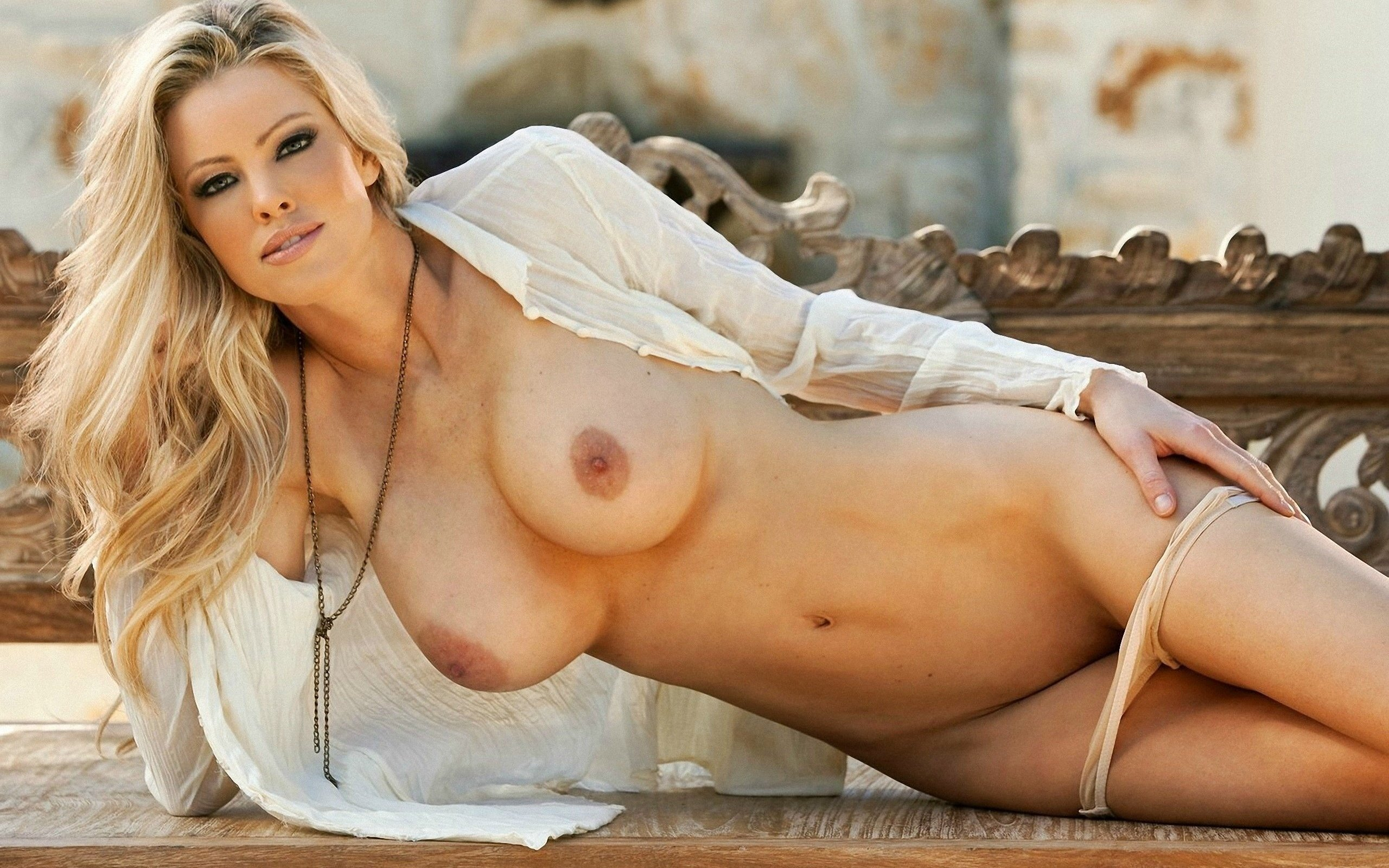 completely-nude-hot-women