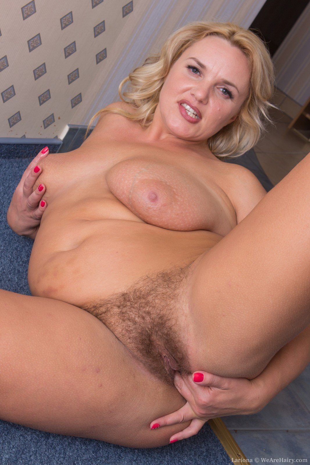 Hairy Housewives Pics