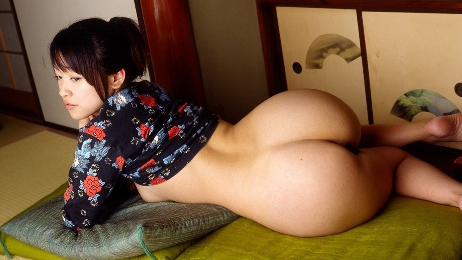 Sexy naked big ass asian women — photo 2