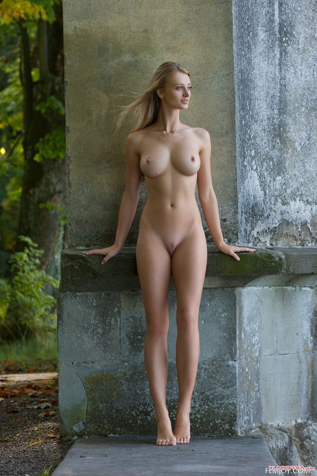 tall-young-girl-naked