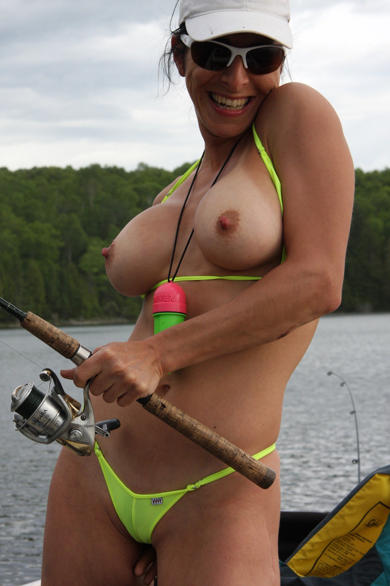sexy-naked-fishing-girls-adult-beach-pictures
