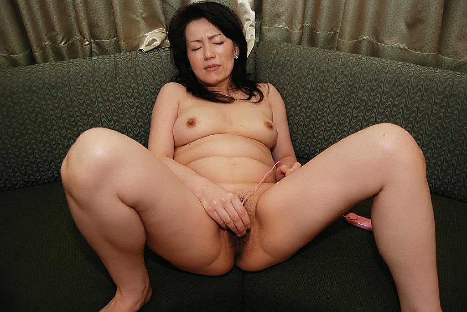 Free nude asian mature pictures