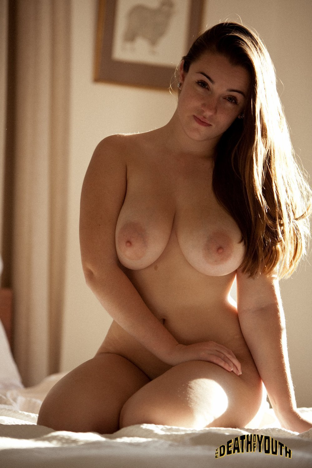 sex-curvy-beautiful-nude-women-pussy-young