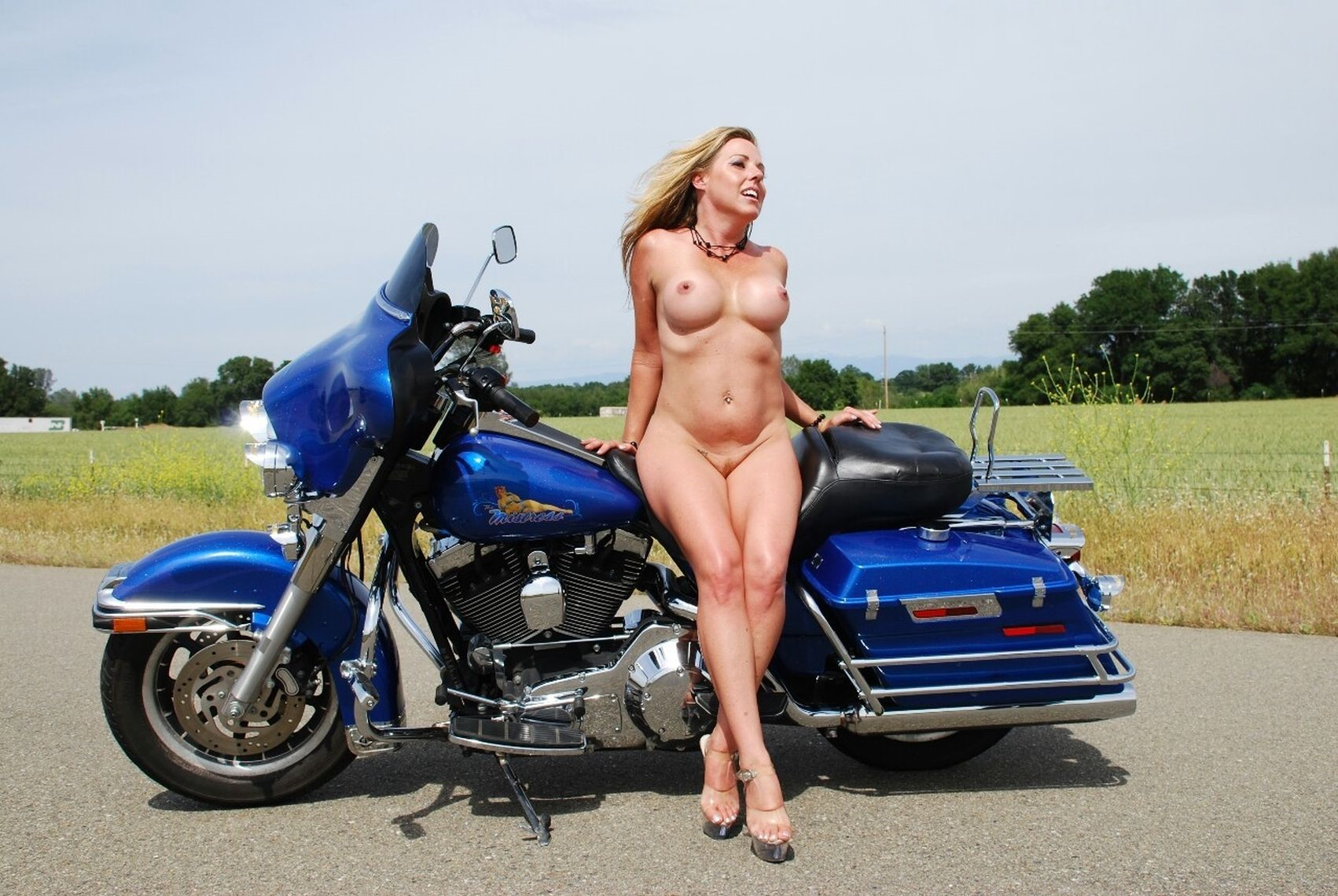 Free naked bikers pics