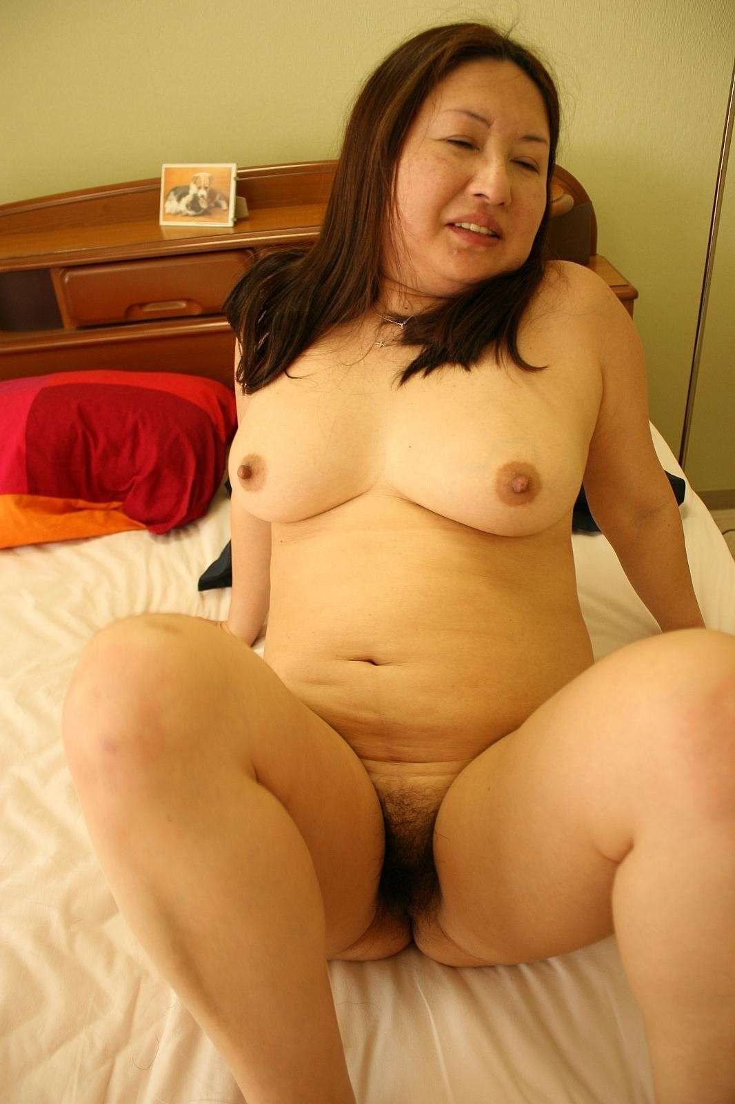 Japanese mom naked pic